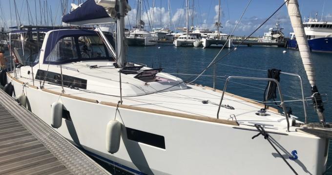 Rental yacht Pointe-à-Pitre - Bénéteau Oceanis 38 Weekender on SamBoat