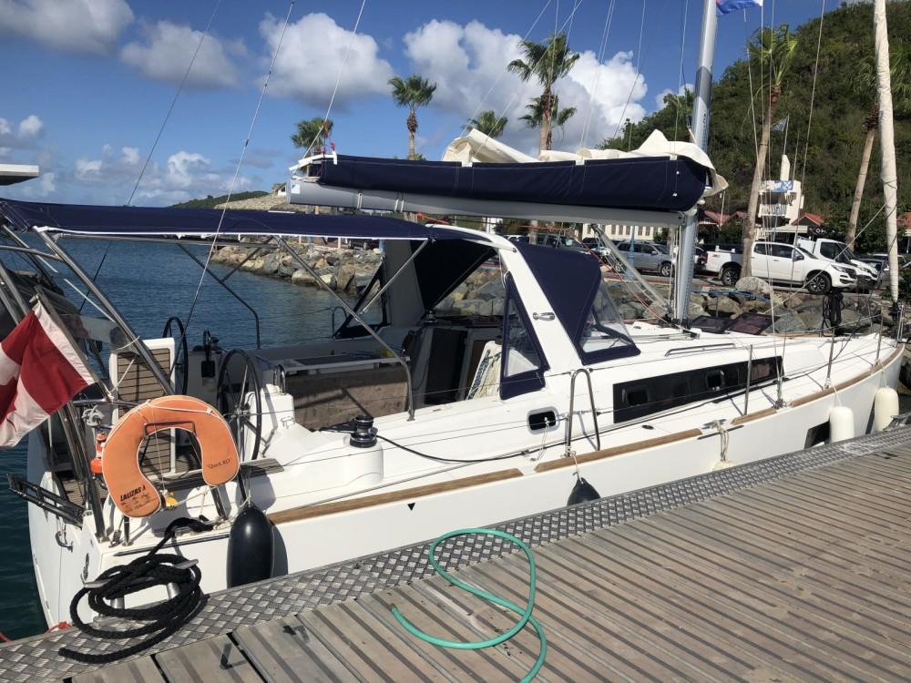 Rental Sailboat in Le Marin - Bénéteau Oceanis 38 Weekender