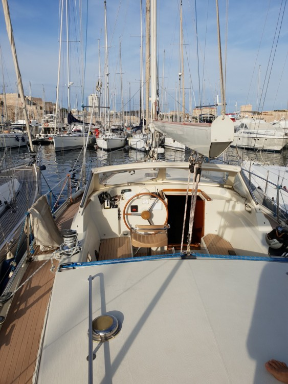 Hire Sailboat with or without skipper Amel Marseille