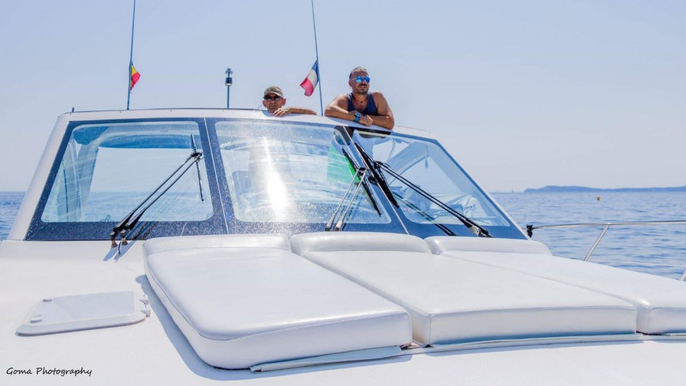 Riviera 48 express between personal and professional Cavalaire-sur-Mer