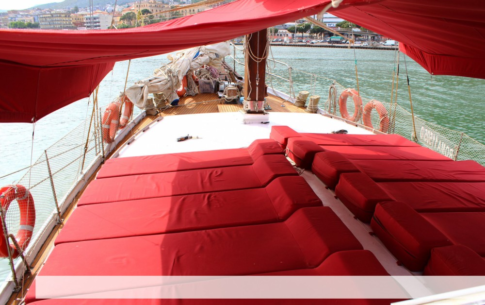 Boat rental Formia cheap caicco