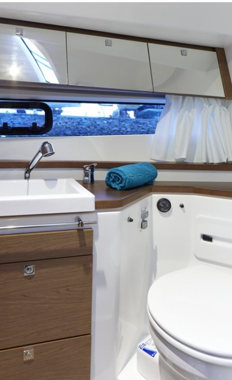 Rental yacht Dubrovnik - Jeanneau Leader 10 on SamBoat