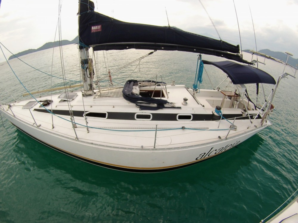 Boat rental Fast Fast 410 in Angra dos Reis on Samboat