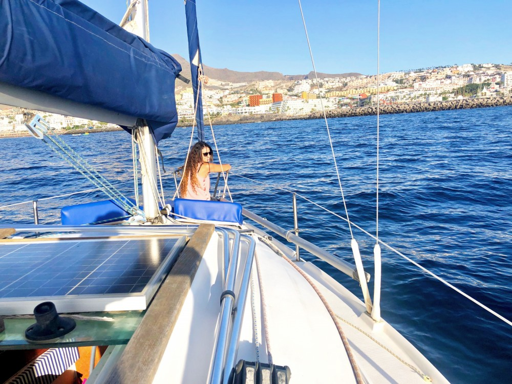 Sailboat for rent Adeje at the best price