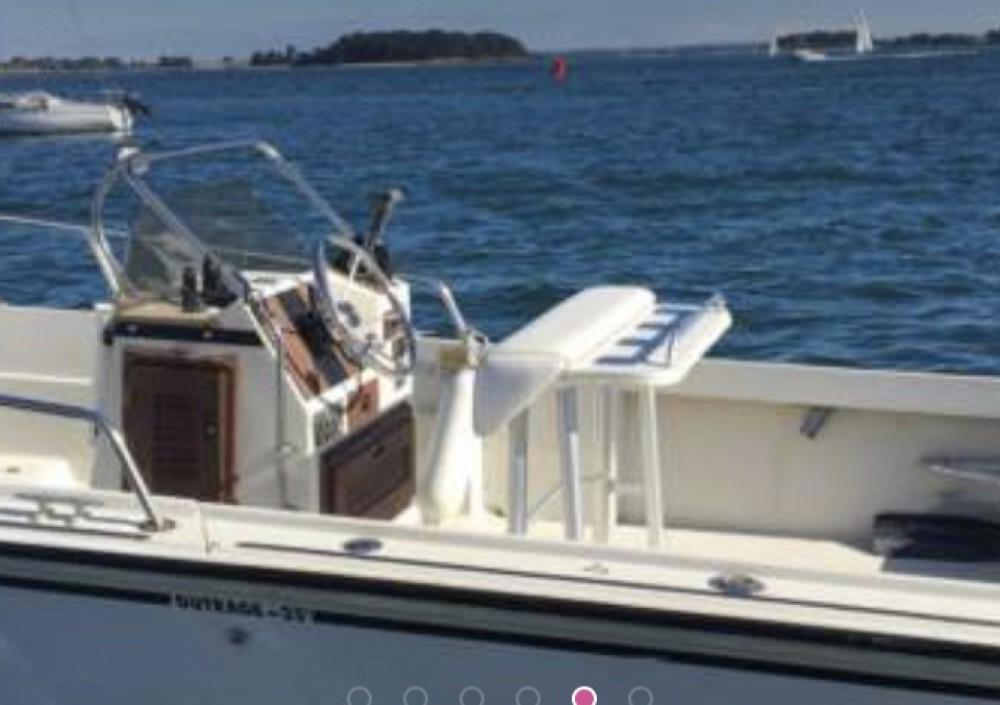 Boat rental Arradon cheap Outrage 25