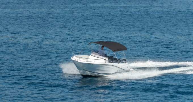 Rental Motorboat in Trogir - Jeanneau Cap Camarat 6,5