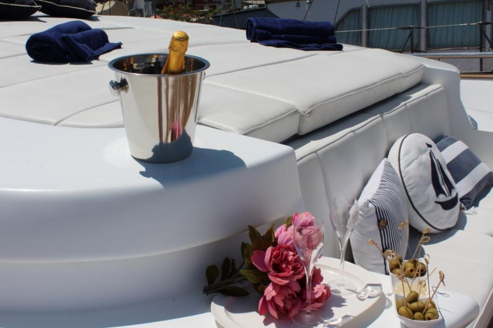 Yacht for rent Riposto at the best price