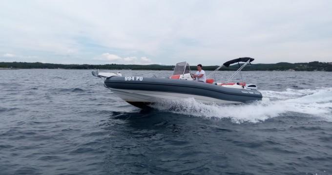 Rent a Marlin Boat MARLIN 790 PRO GRAY ORANGE Vrsar-Orsera