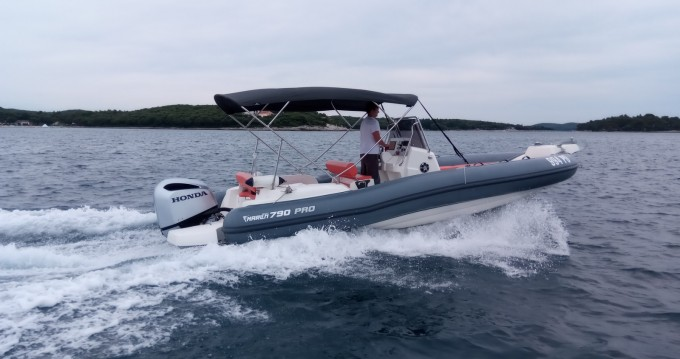 Hire RIB with or without skipper Marlin Boat Vrsar-Orsera