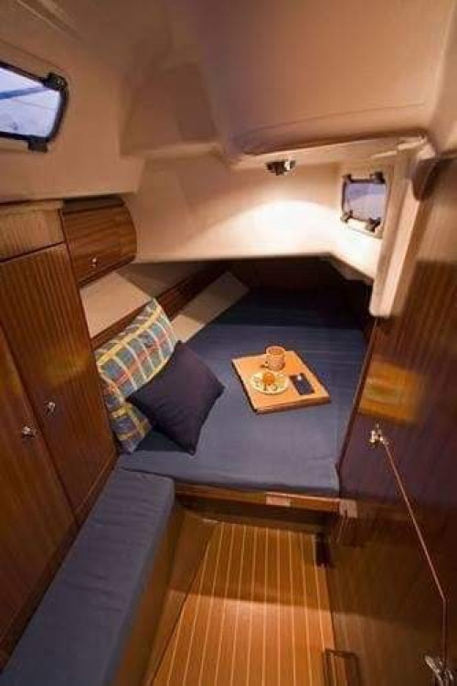 Rent a Bavaria Cruiser 36 Castellammare di Stabia