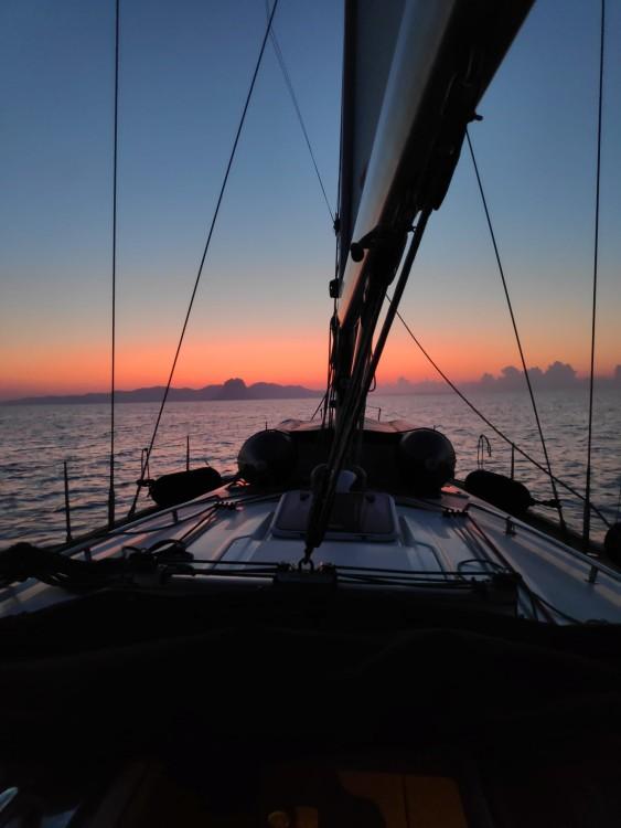 Rental Sailboat in Valencia - Bavaria Bavaria 46 Cruiser