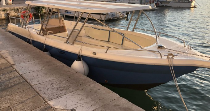 Boat rental Enzo 35 in Split on Samboat