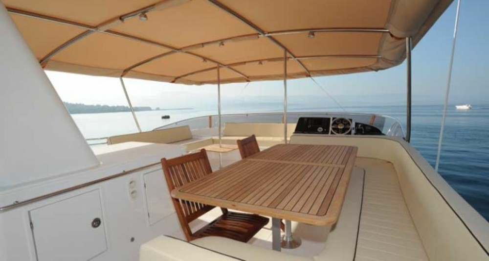 Hire Catamaran with or without skipper Fountaine Pajot Kontokali