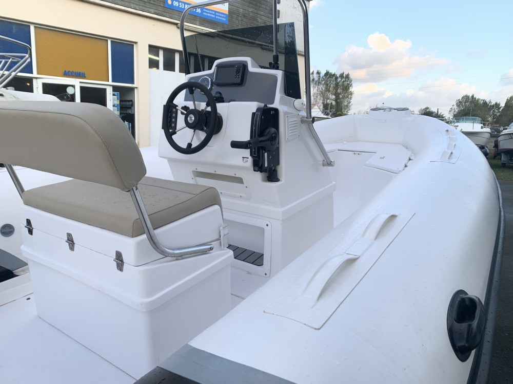 Rental Motor boat in Saint-Gilles-Croix-de-Vie - Tiger Proline 620