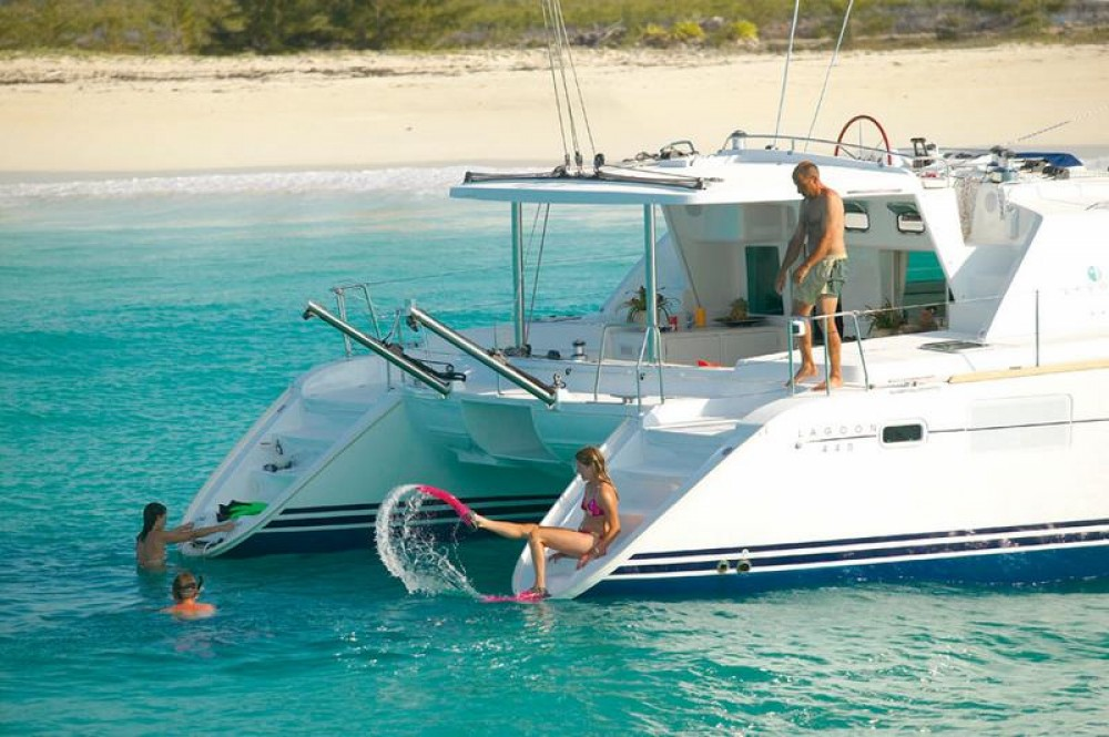 Rental Catamaran in Peloponnese, Western Greece and the Ionian - Lagoon 440