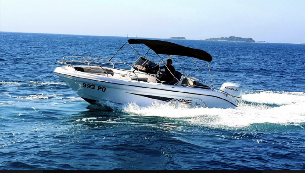 Hire Motor boat with or without skipper Ranieri Funtana
