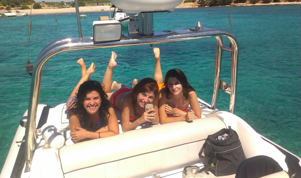 Boat rental Split cheap Revenger29
