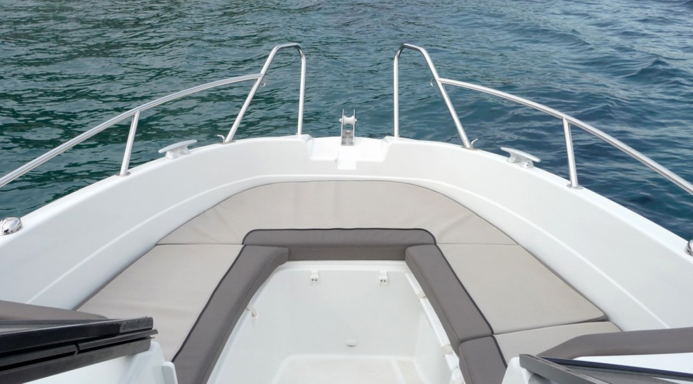 Hire Motorboat with or without skipper Jeanneau Balearic Islands