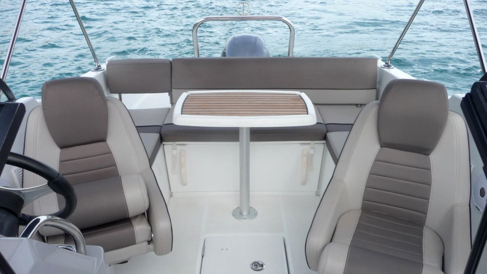 Motor boat for rent Santa Eulària des Riu at the best price