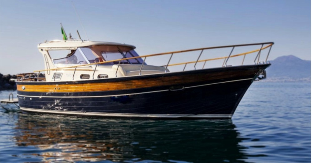 Fratelli Aprea 36 HT between personal and professional Positano