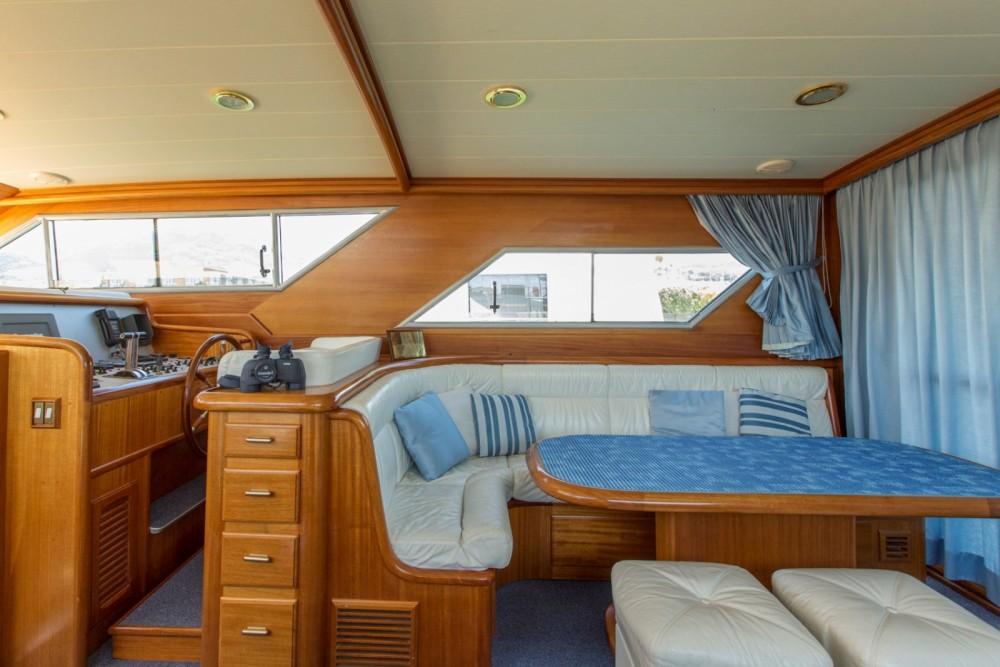 Motor boat for rent La Spezia at the best price
