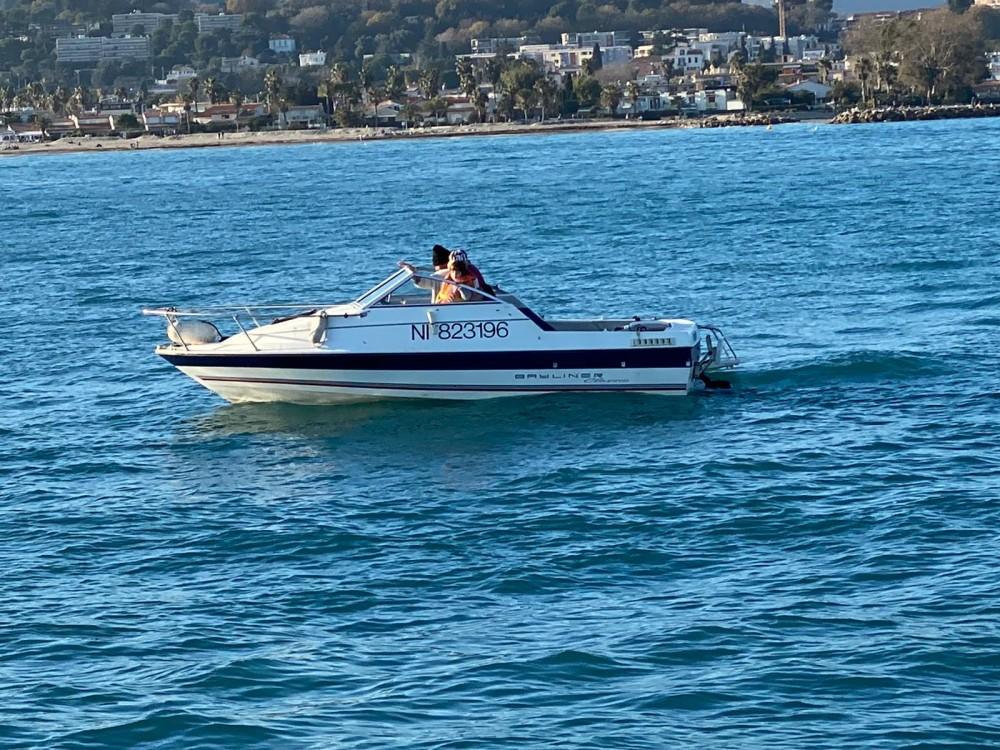 Boat rental Bayliner Bayliner 1952 Classic in Saint-Laurent-du-Var on Samboat