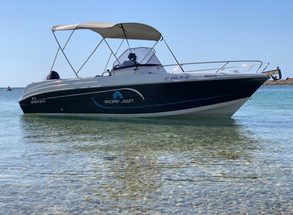 Rental Motor boat Pacific Craft with a permit