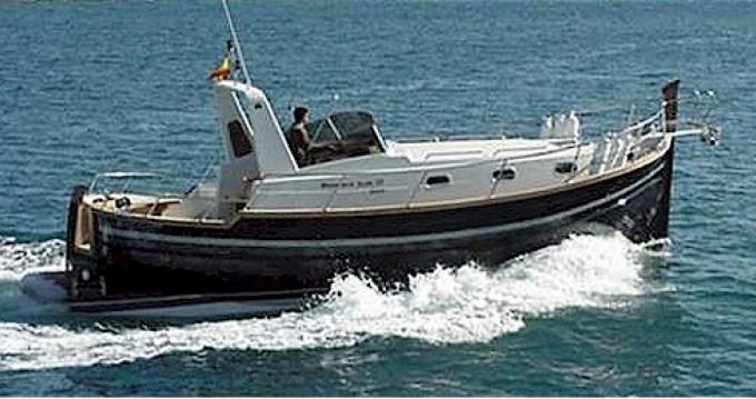 Rental Motorboat in Bari - Menorquin-Yachts 100 open