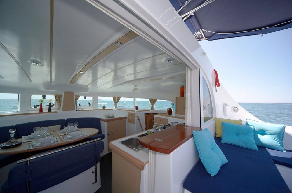 Rental Catamaran in Teva I Uta - Lagoon Lagoon 380 S2