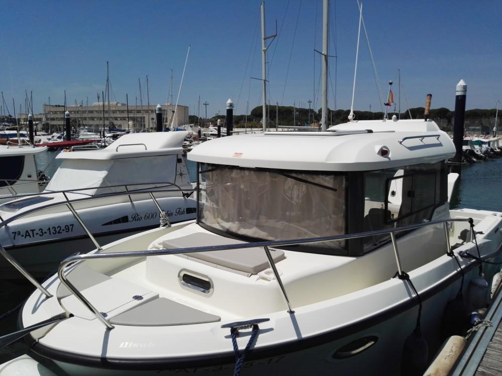 Rent a Quicksilver Captur 755 Pilothouse El Puerto de Santa María