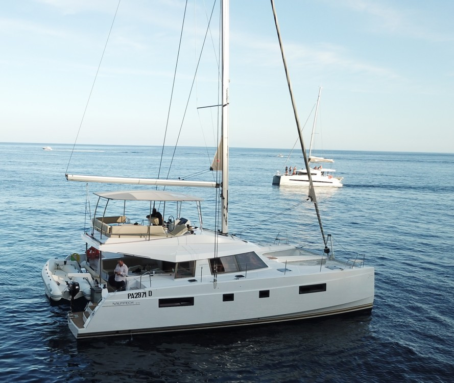 Rental Catamaran in Torre del Greco - Bavaria Nautitech 46 Fly