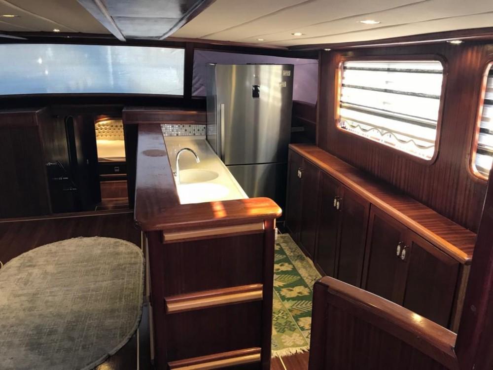 Boat rental  cheap Ketch - Luxe