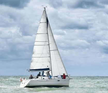 Bénéteau Oceanis281 between personal and professional Deauville