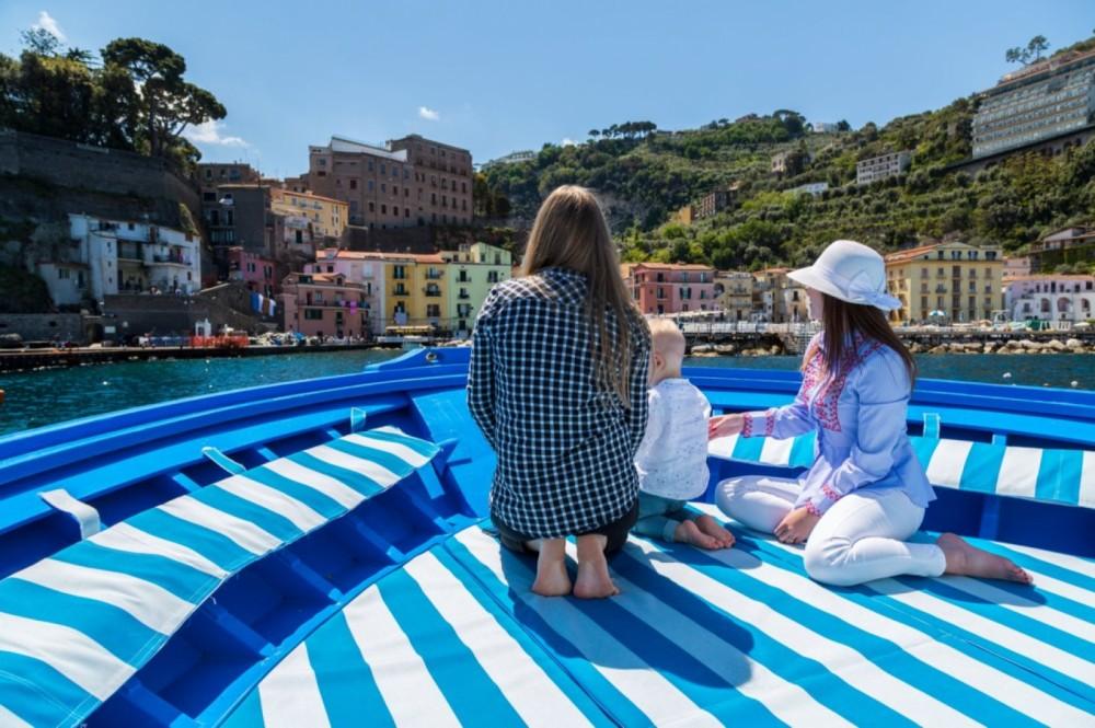 Rental Motor boat in Campania - Fratelli Aprea Carlo conny 10.50 cabinato