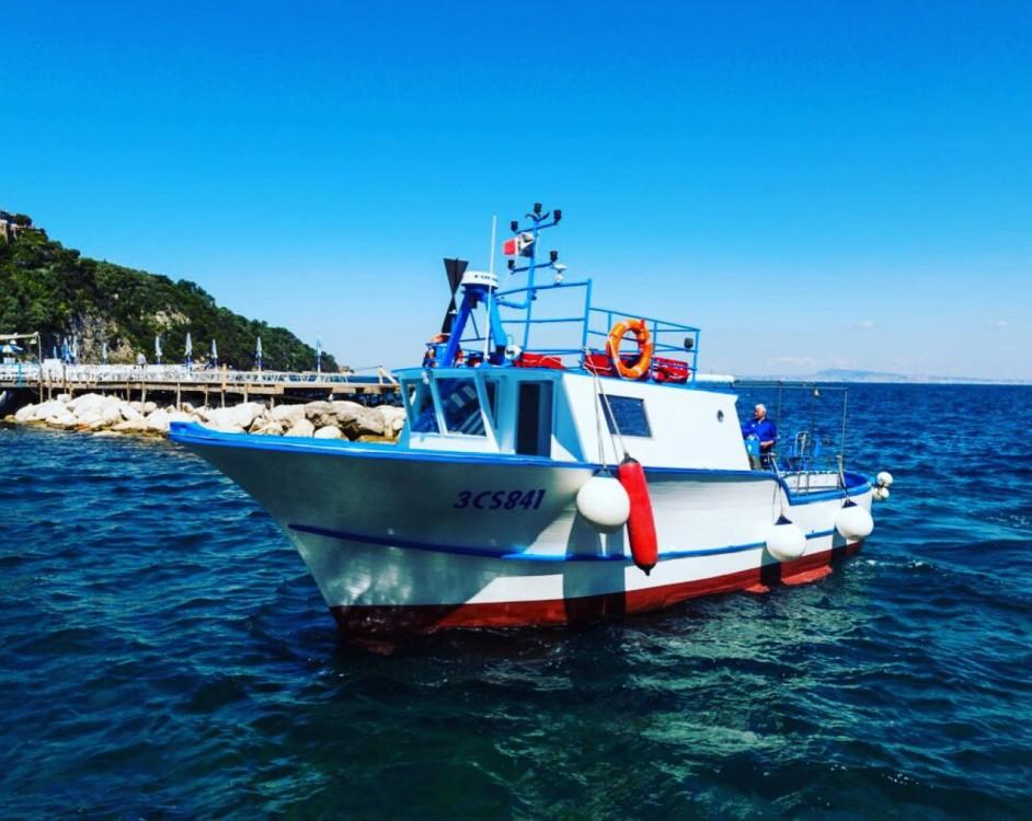 Boat rental Fratelli Aprea Carlo conny 10.50 cabinato in Campania on Samboat