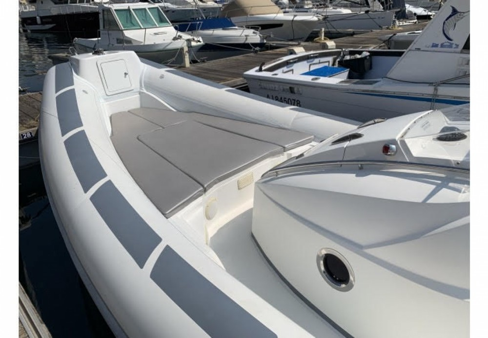 Rental yacht Pietrosella - Selva Sport S.900 on SamBoat