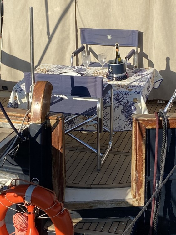 Hire Motor boat with or without skipper Menorquin-Yachts Bari