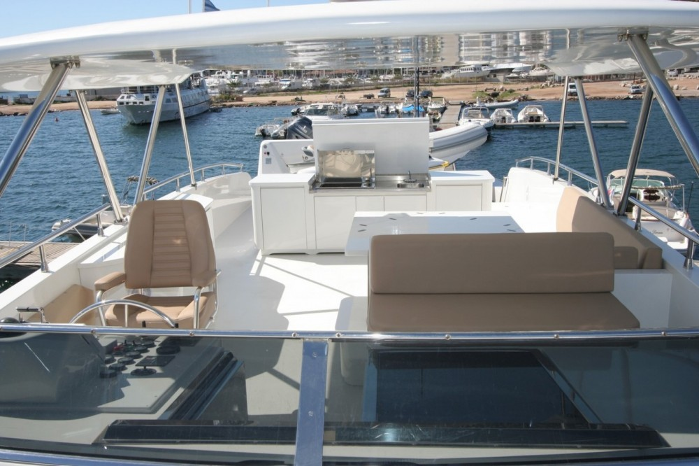 Trawler Yacht between personal and professional Cannes