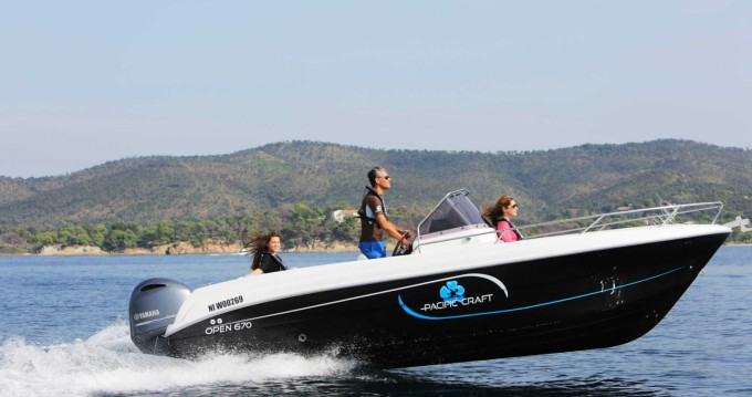 Rental Motorboat in Lège-Cap-Ferret - Pacific Craft Pacific Craft 670 Open Trendy