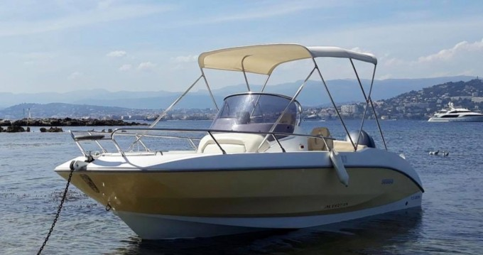 Sessa Marine Key Largo 20 Deck between personal and professional Saint-Florent