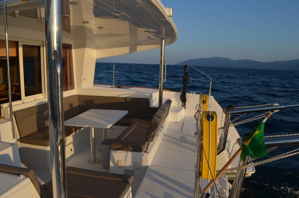 Rental Catamaran in Angra dos Reis - Lagoon Lagoon 400 S2