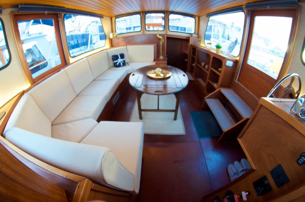 Hire Motorboat with or without skipper Yachts Altena  Genève
