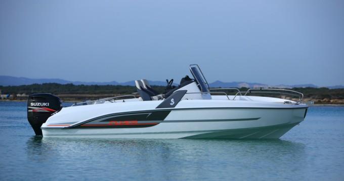 Rental Motorboat in Six-Fours-les-Plages - Bénéteau FLYER 6.6 SPACEDECK 175 cv