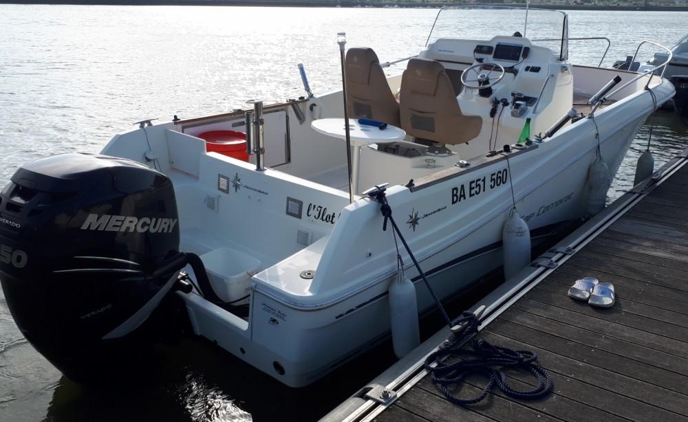 Rental yacht Bayonne - Bénéteau Cap Camarat 7.5 CC on SamBoat