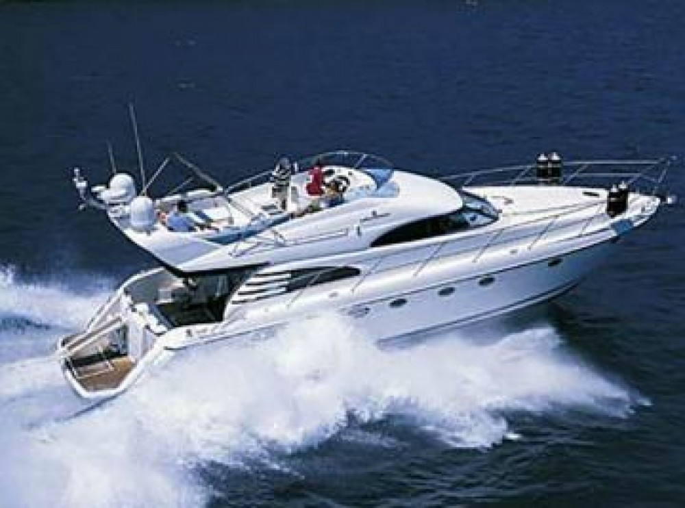 Hire Motorboat with or without skipper Fairline Angra dos Reis