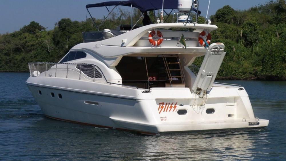 Boat rental Ferretti Ferretti 46 in Angra dos Reis on Samboat