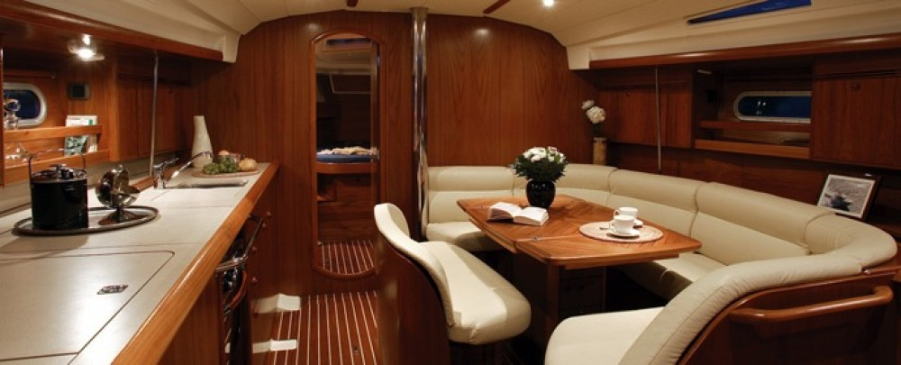 Jeanneau Sun Odyssey 45 between personal and professional Laurium