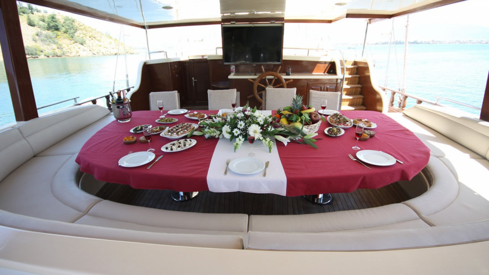 Gulet Ketch - Deluxe between personal and professional