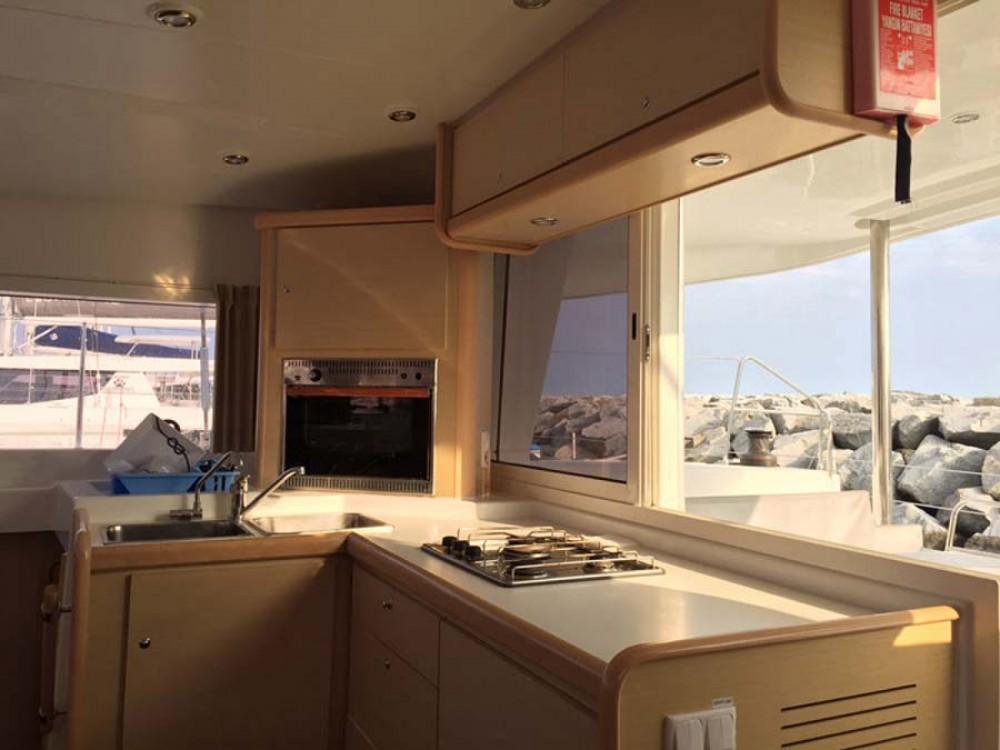 Lagoon Lagoon 400 between personal and professional Ibiza
