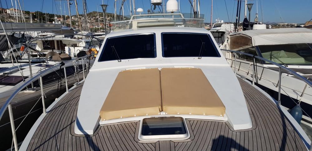 Rental Motor boat in Marseille - Ferretti Altura 52 S